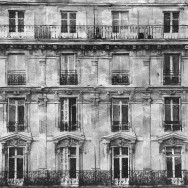 z#LOST-IN-THE-CITY-PARIS-BUILDING-14-ZINC_53X45,8_FAS#S