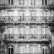 LOST-IN-THE-CITY-PARIS-BUILDING-9_89X116_FAS#S